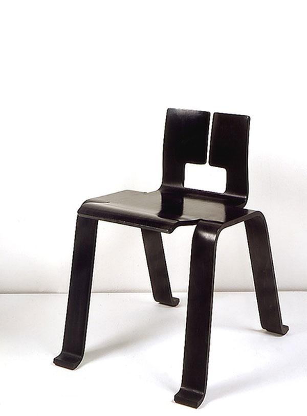 designer architecte et designer charlotte perriand. Black Bedroom Furniture Sets. Home Design Ideas