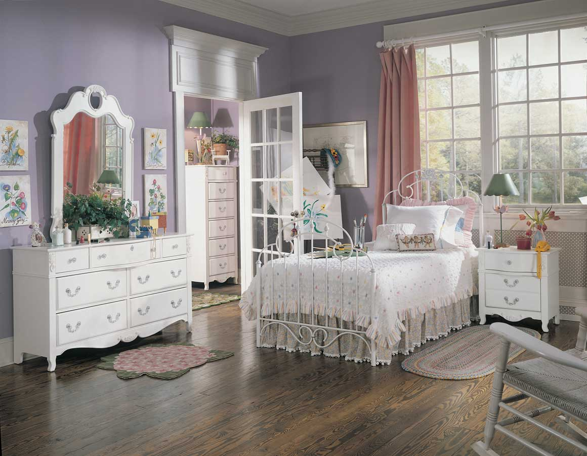 chambre princesse. Black Bedroom Furniture Sets. Home Design Ideas