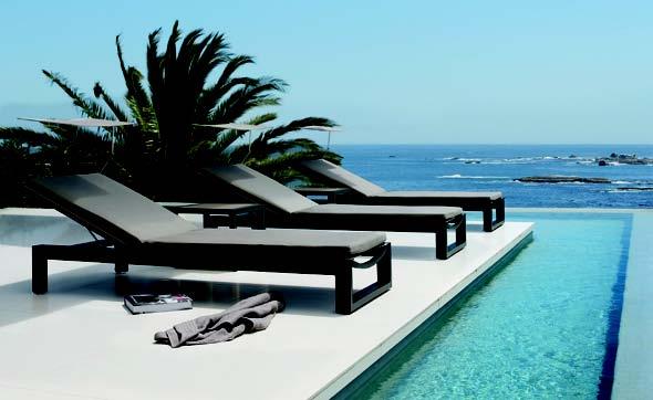 Manutti Chaise longue Fuse avec pare-soleil réglable et amovible