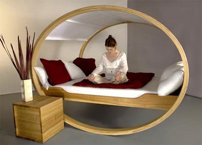 un lit de r ve design dans sa chambre coucher. Black Bedroom Furniture Sets. Home Design Ideas