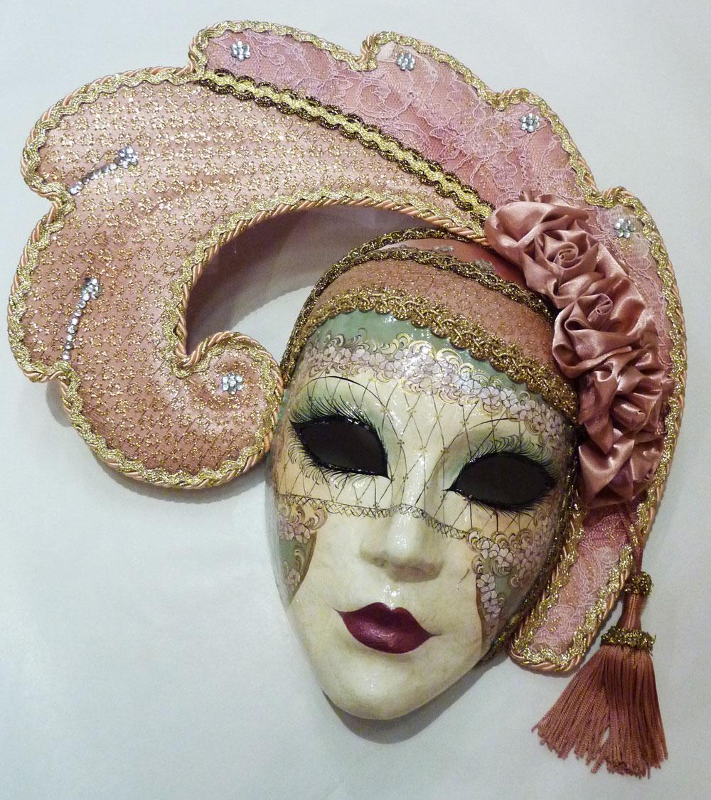 les masques traditionnels du carnaval de venise schegge